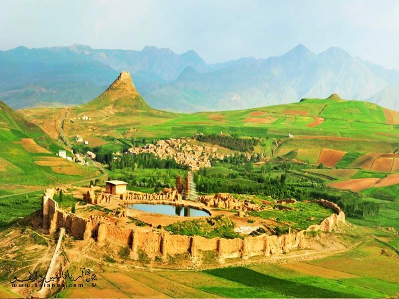تخت سلیمان (آتشکده آذرگشنسب) کجاست؟